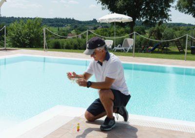 controllo-acqua-piscina-Corte-Zuara